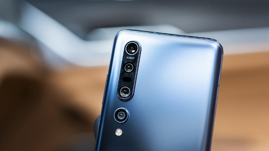Xiaomi Mi 10 представлен официально — флагман в радости и в горе